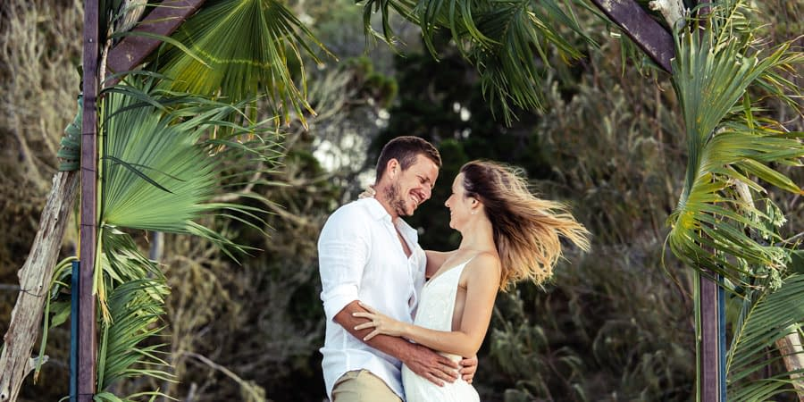 Jessica & Christoff's Hervey Bay Beach Elopement-3