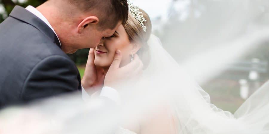 Amelia & Alex's Townsville Mercure Wedding